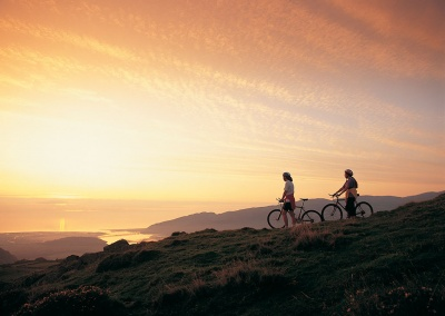 Biking above Mawddach Estuary © Crown copyright (2014) Visit Wales