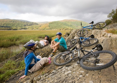 The Mawddach Trail is scenic, flat and family friendly © Crown copyright (2014) Visit Wales