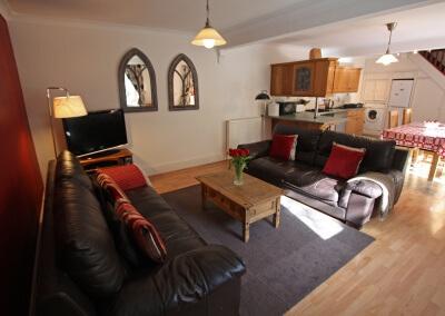 Large open plan lounge/diner