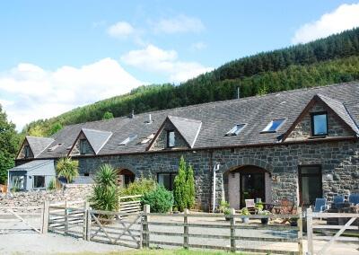 Pine cottage & Little Haven exterior