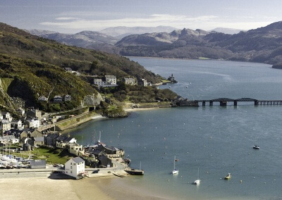 Barmouth and the Mawddach estuary © Crown copyright (2014) Visit Wales
