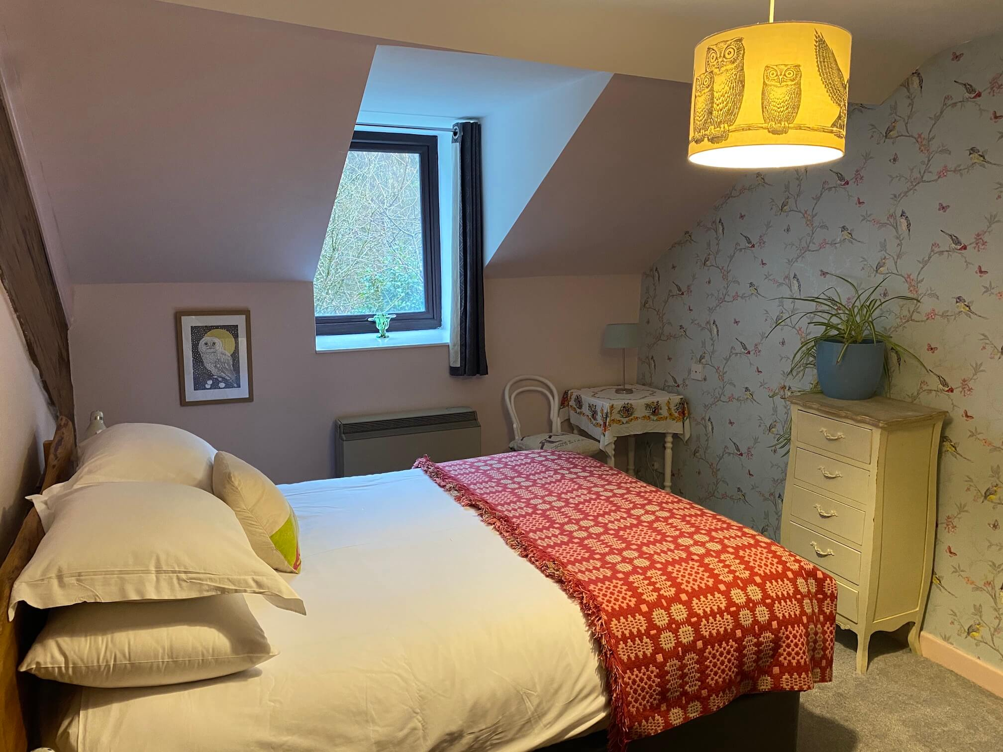 Double bed in Ty'r Adar main bedroom
